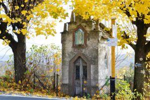 Stara kapliczka murowana