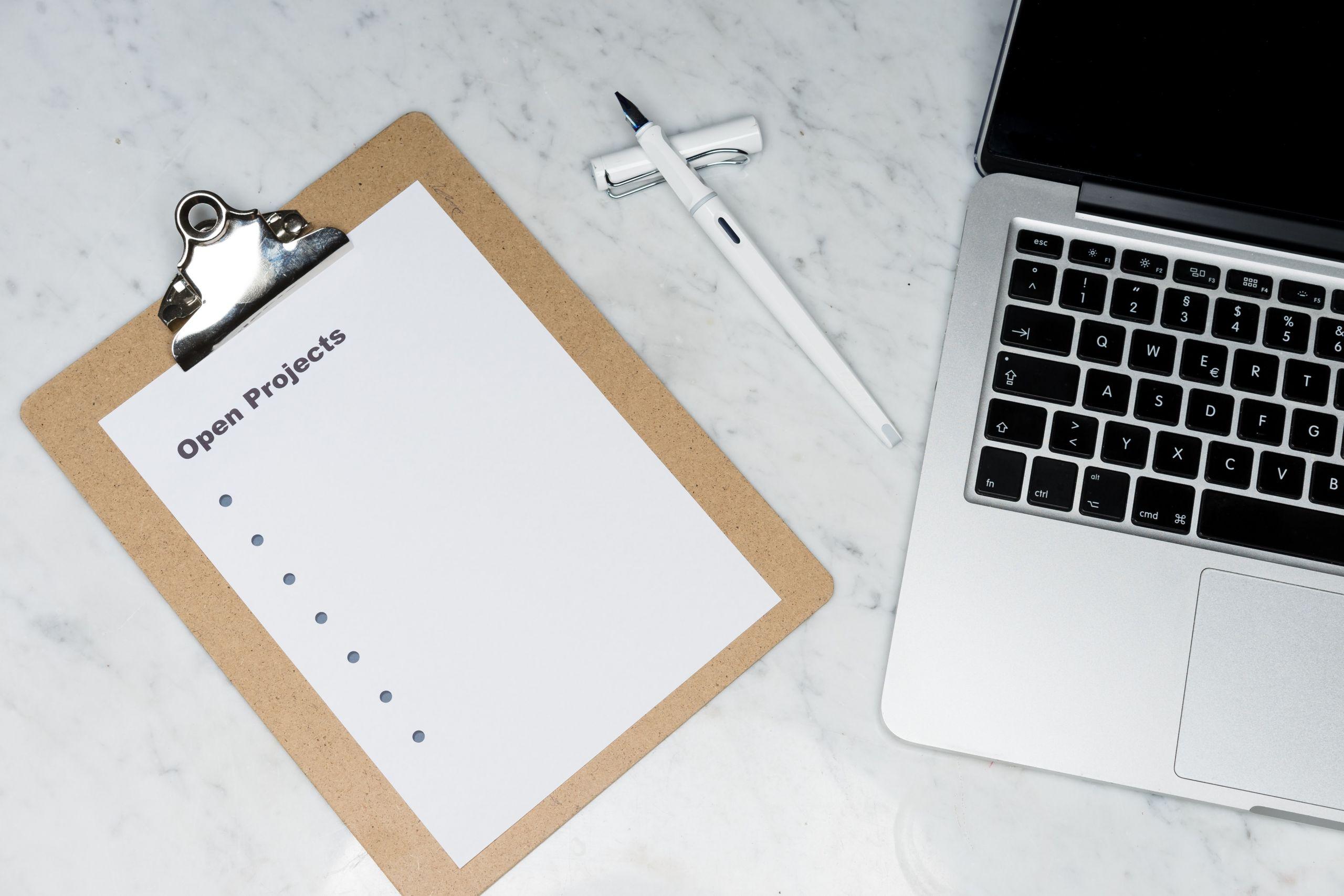 Laptop i notatnik
